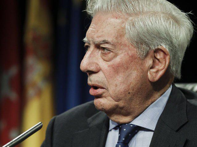 Photo of Peruvian author Mario Vargas Llosa